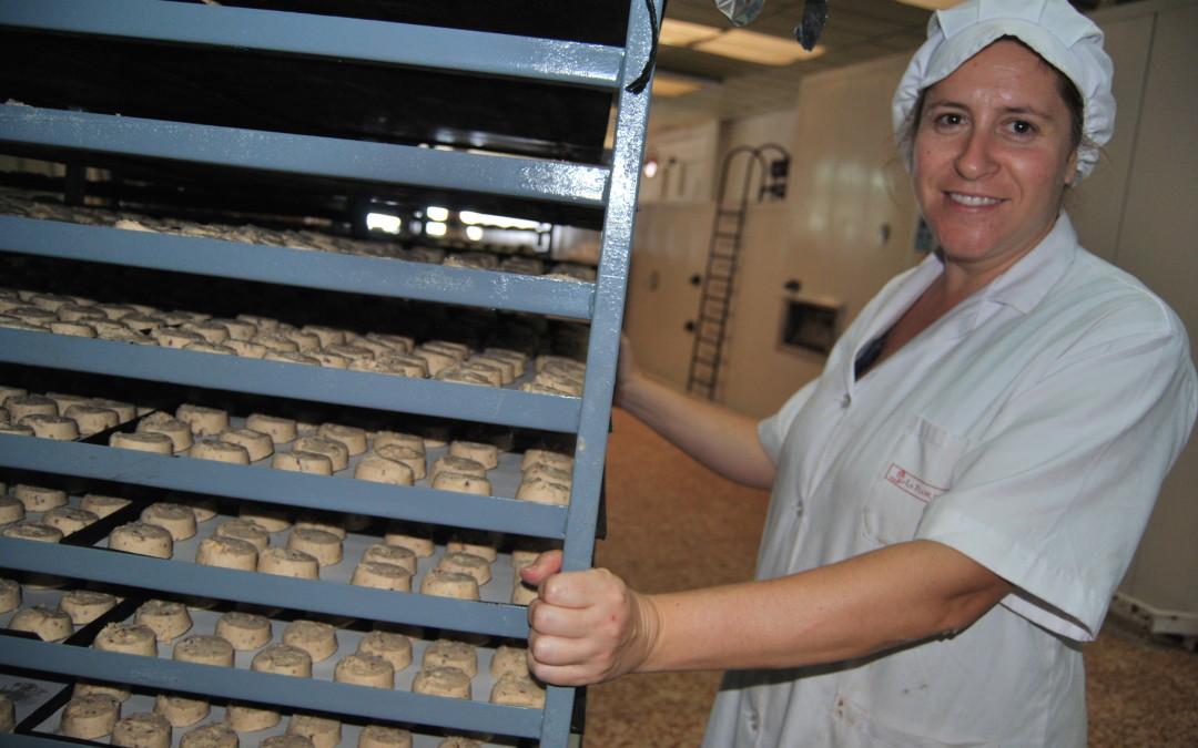Estepa logra casi el pleno empleo con sus 19 fábricas de mantecados