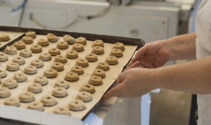 Estepa inicia su campaña de mantecados con la previsión de superar las 22 mil toneladas de dulces navideños