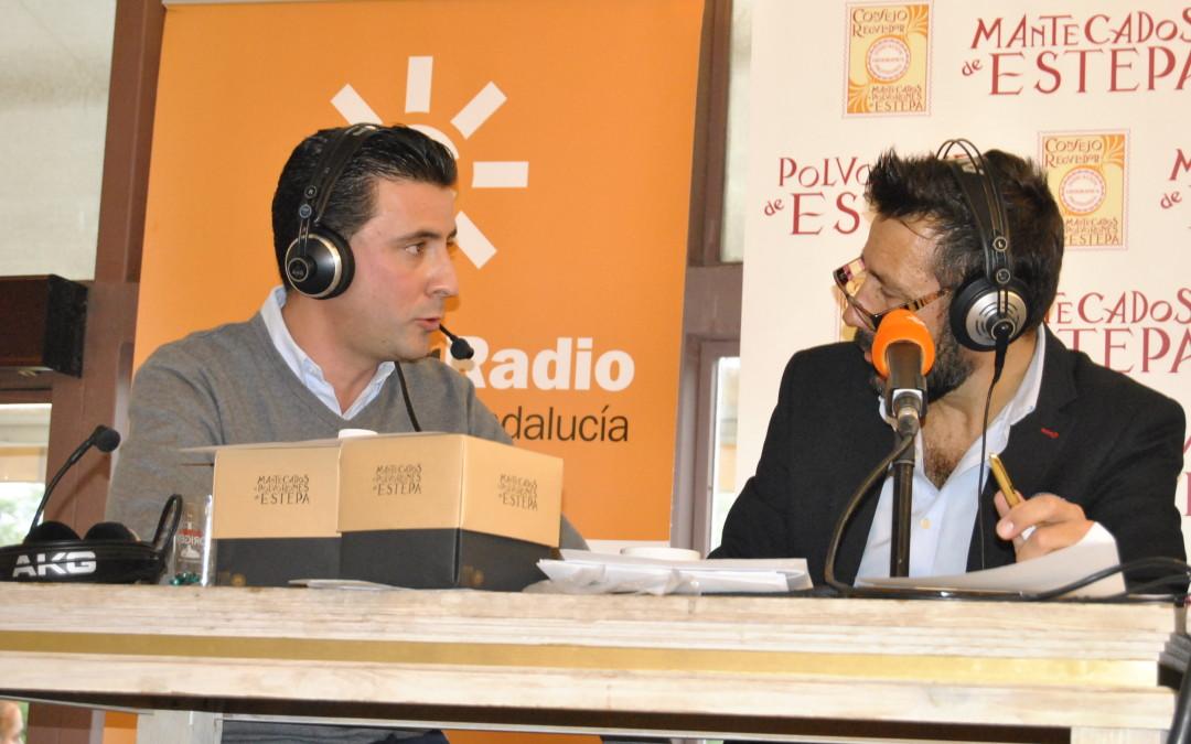 Los mantecados no faltarán en la zambomba navideña de Canal Sur Radio en el Mercado del Barranco