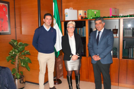 Salud y representantes del Consejo Regulador de Mantecados de Estepa se reúnen para analizar la futura Ley de vida saludable y actividad física