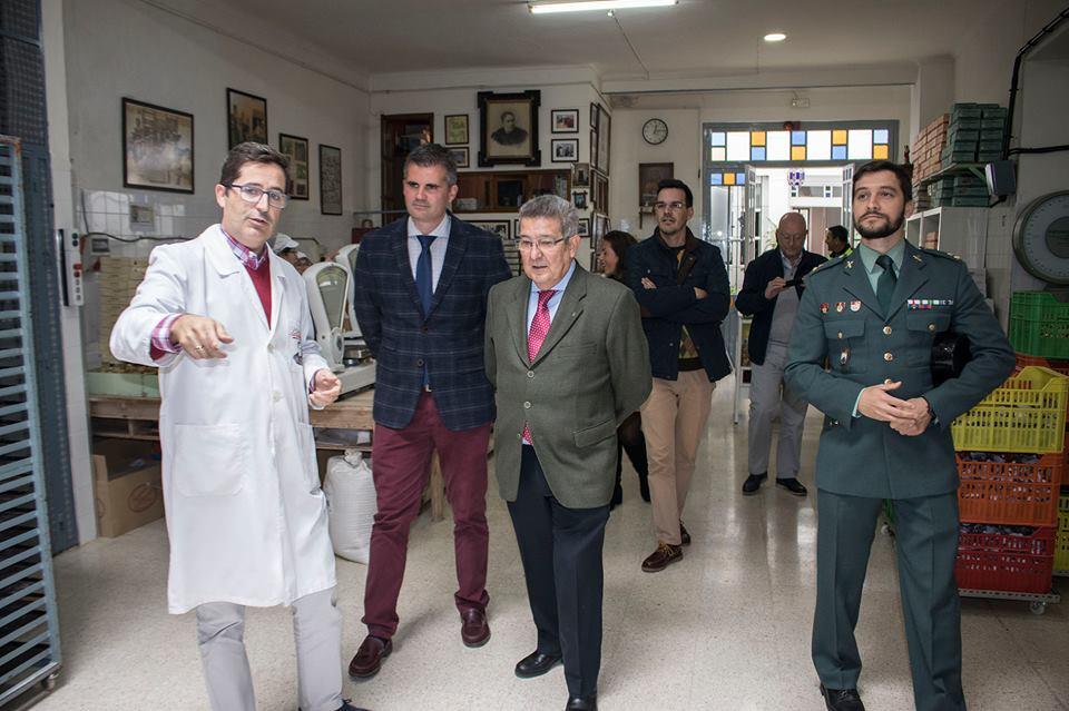 Visita Estepa el subdelegado del Gobierno, Carlos Toscano