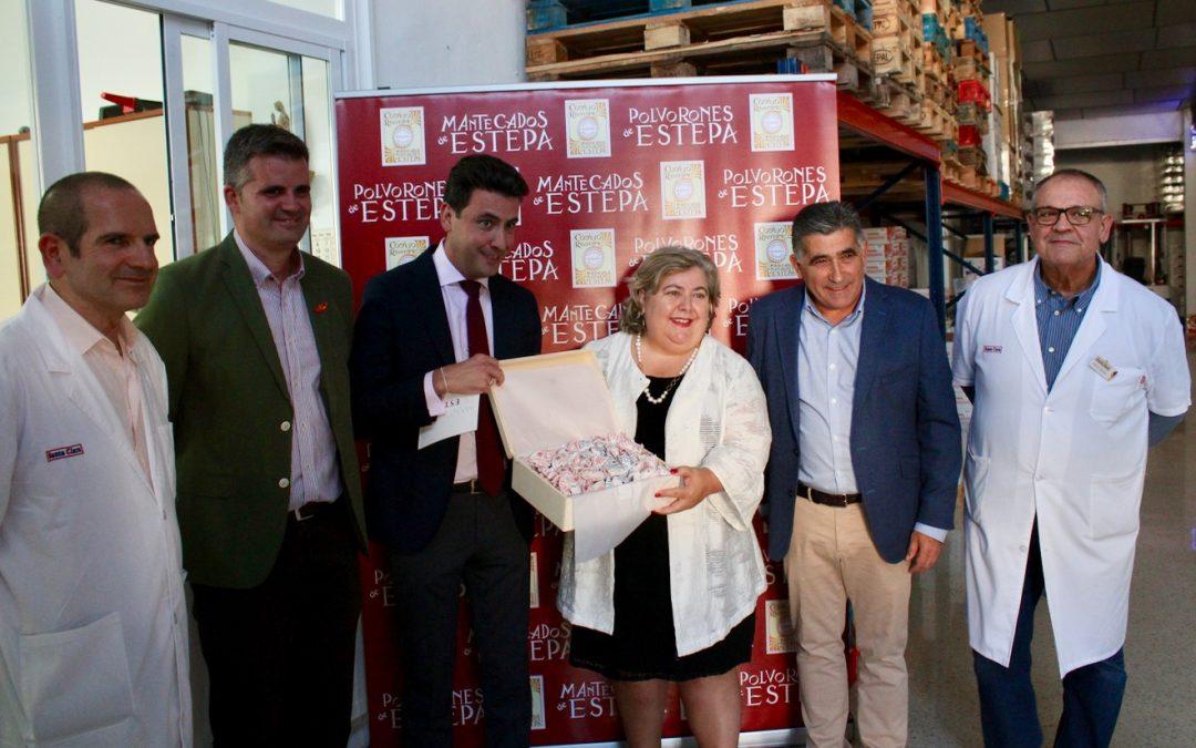 (Español) La eurodiputada Clara Aguilera visita la fábrica de mantecados Santa Clara